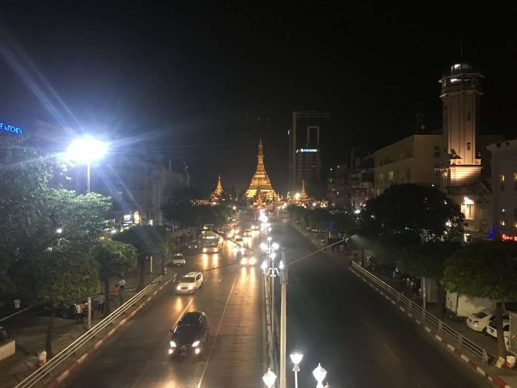 sule pagoda night