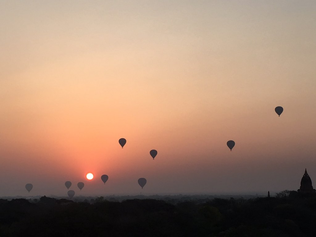 sunrise hot air balloon ride bagan